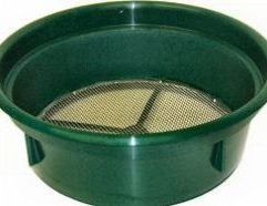 8 Mesh Classifying Sieve This Classifying Sieve enables you to classify your material before processing it through your sluice box or gold pan. Made of high-impact plastic and .130 inch stainless steel mesh, this sieve will save you time and improve your recovery. Conveniently sized to fit over most 5-gallon buckets and can be stacked with other sieves for graduated classification.