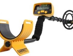 Garrett ACE 200 Metal Detector The Garrett ACE 200 Metal Detector is perfect for the beginner who is looking to get their hands dirty metal detecting for the first time. This Garrett metal detector has included a Digital Target ID feature into the device that provides a corresponding readout to the specific type of metal buried underneath ground. The ACE 200 can also help to determine a target's depth and provide the user with clear, easy-to-understand target signals while doing so. The Garrett ACE 200 device is perfect for entry level detecting and relic hunting as well as dry beach and fresh water wading. It's even great for those who want to try their hand at finding coins and jewelry! For the budding treasure hunter using a metal detector for the first time, the ACE 200 makes a perfect traveling companion and backyard buddy. Product highlights Total Weight : 2.7 lbs (1.2 kgs) Frequency : 6.5 kHz Frequency Warranty : 2 Year Limited Warranty Digital Target ID : Distinguishes Targets Conductivity Discrimination Control : Eliminates Trash Targets Audio : External Speaker Built-In and Headphone Jack Sensitivity Control : Adjustable at 4 Different Levels For Different Ground Conditions